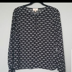 Collective concepts roll tab sleeve blouse small